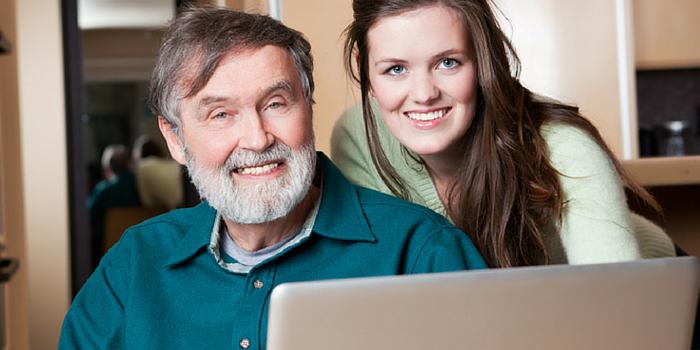 ¿Cómo convencer a tus padres de mudarse a una Comunidad para Adultos Activos?